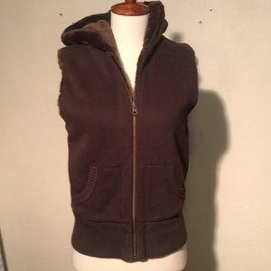 Like new vest
